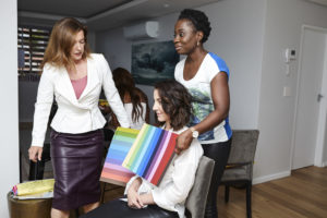Students and trainer at color consultant training course